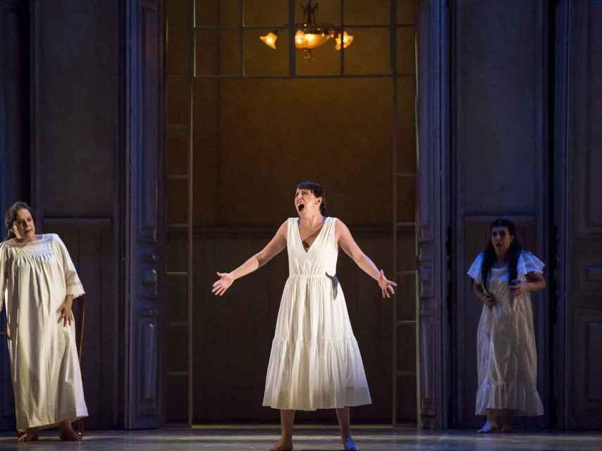 Parte del elenco de la ópera