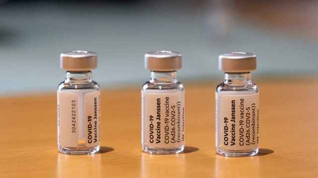 Viales de la vacuna de Janssen.