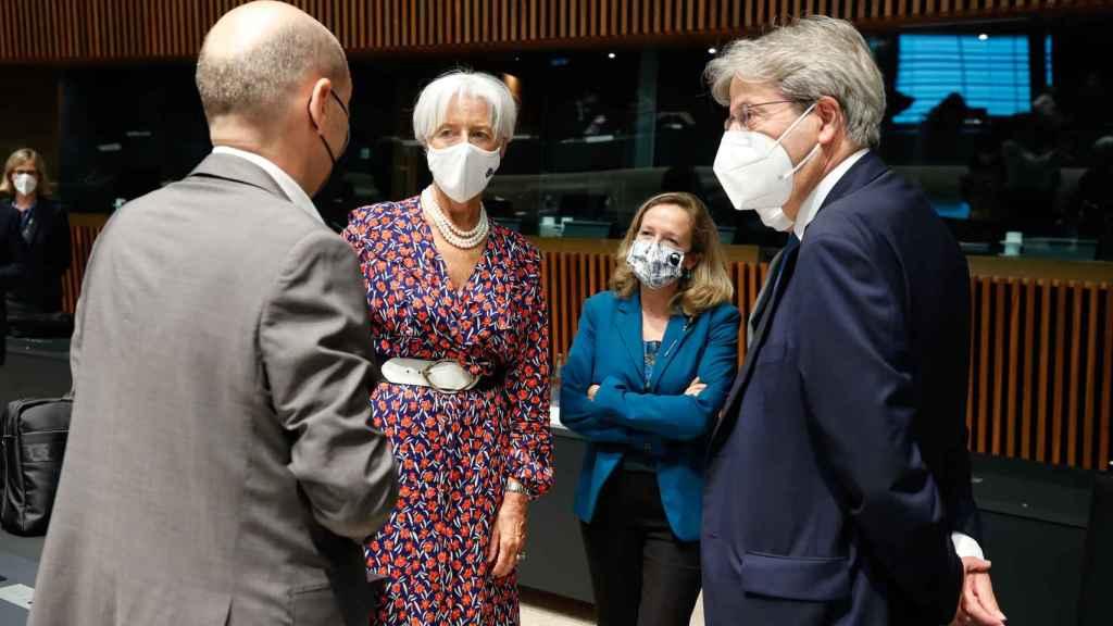 Olaf Scholz, Christine Lagarde, Nadia Calviño y Paolo Gentiloni, durante la última reunión del Eurogrupo