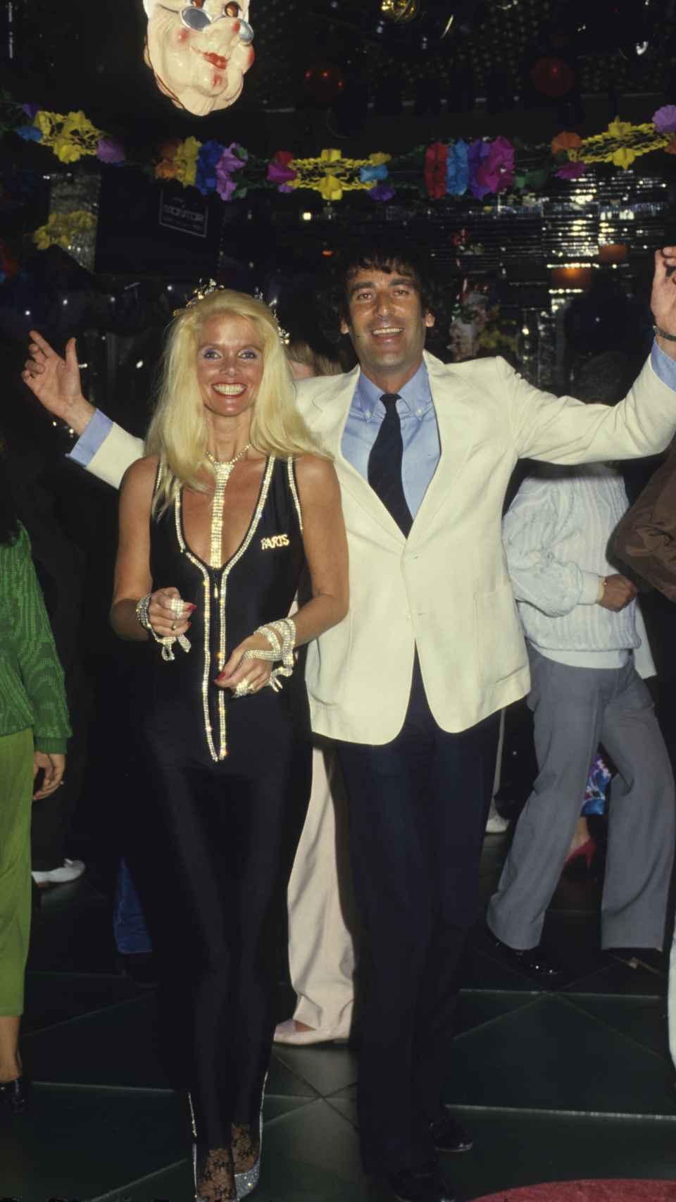 Luis Ortiz y Gunilla von Bismarck en una foto en la década de los 80 en Marbella.