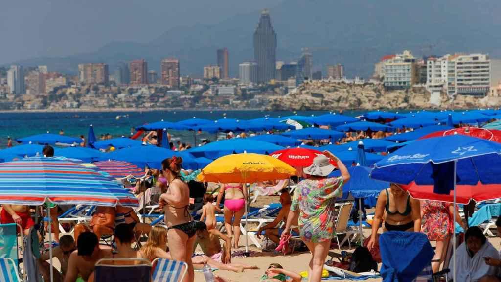 Playa de Benidorm, a finales de junio.
