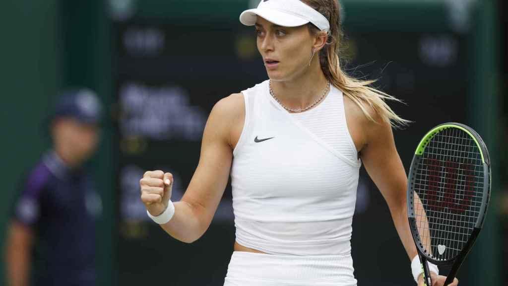 Paula Badosa celebra un punto en Wimbledon