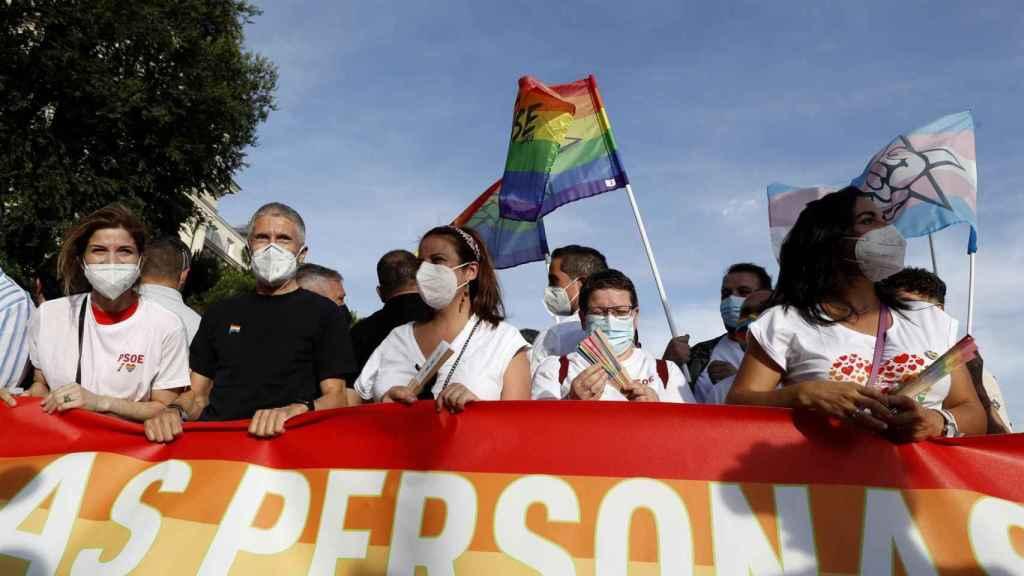 El ministro de Interior, Fernando Grande-Marlaska, durante la marcha del Orgullo LGTBI.