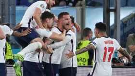 Los jugadores de Inglaterra celebrando un gol