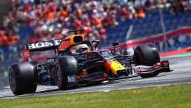 Verstappen no da opción en el Gran Premio de Austria y firma la pole; Sainz y Alonso fuera del Top10