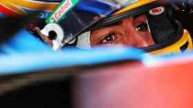 Fernando Alonso en el interior de su A521 en Austria