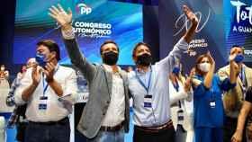 Pablo Casado y Carlos Mazón, en el XV Congreso del Partido Popular de la Comunidad Valenciana. EE