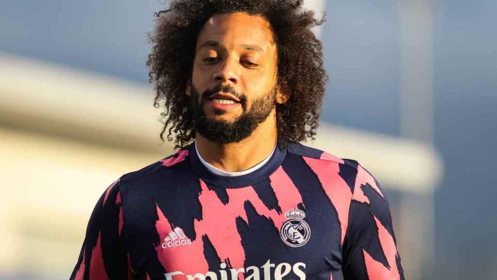 Marcelo, durante un calentamiento con el Real Madrid