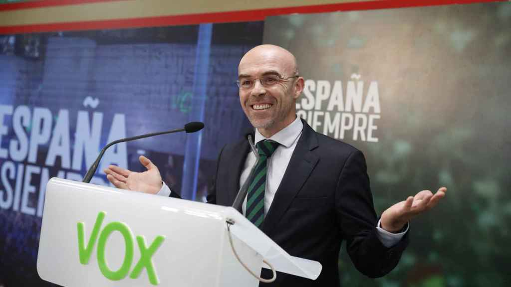 Jorge Buxadé, vicepresidente de Acción Política de Vox, ha confirmado la abstención de su formación.