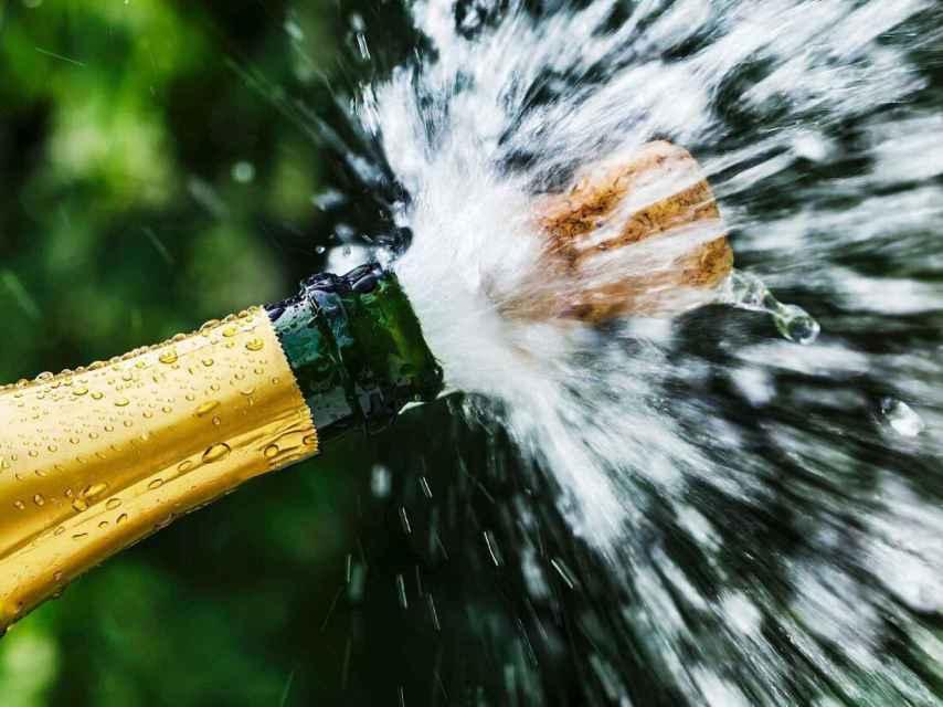 Las botellas de champán se abren sin hacer 'pop'.