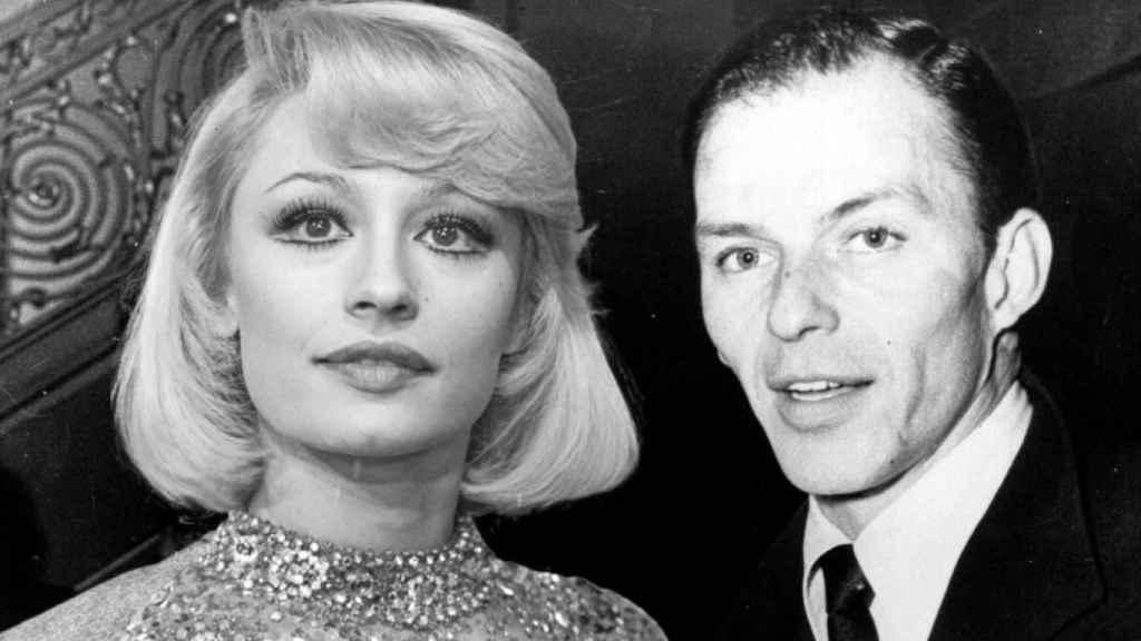Raffaella Carrà y Frank Sinatra en un montaje de JALEOS.
