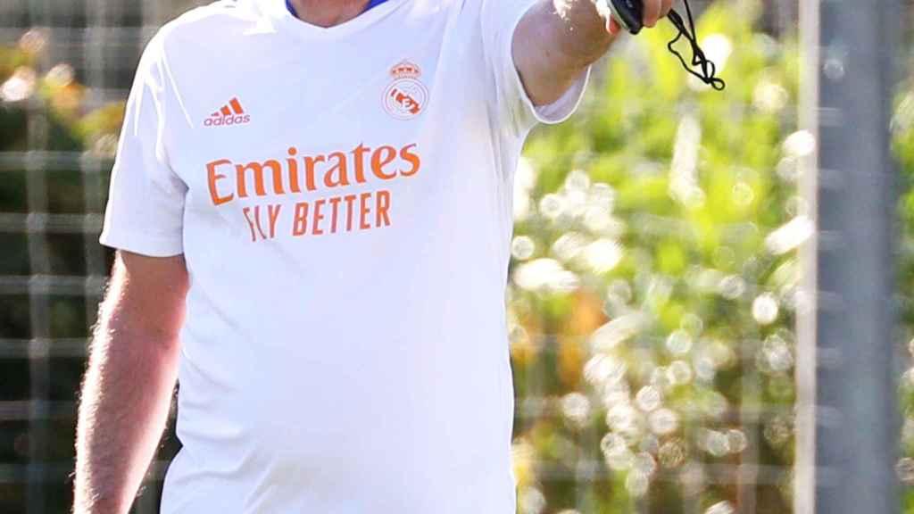 Carlo Ancelotti, en un entrenamiento del Real Madrid