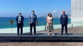 Ximo Puig y Francina Armengol, en el centro, junto a los presidentes de los parlamentos balear y valenciano. EE