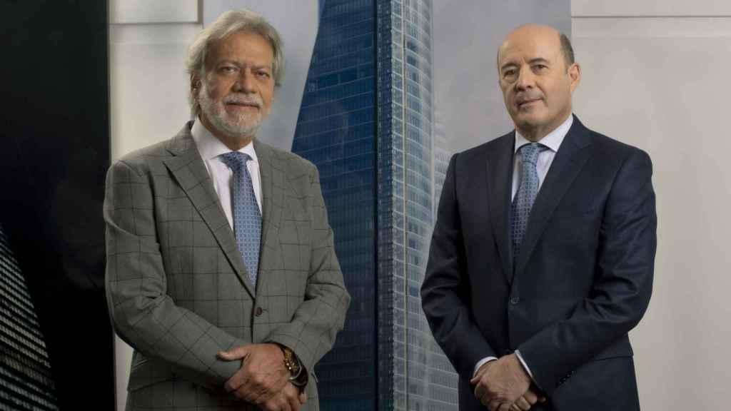 Luis Amodio, a la izquierda, y José Antonio Fernández Gallar.
