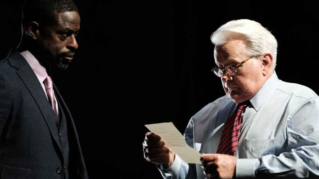 Sterling K. Brown y Martin Sheen en 'A West Wing Special to Benefit When We All Vote'.