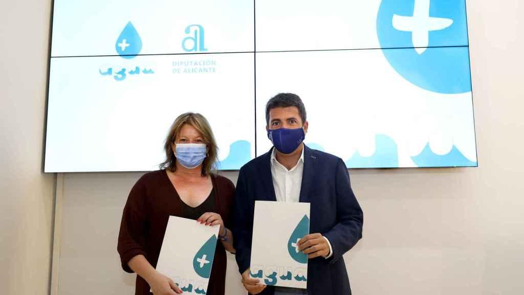 Carlos Mazón y Ana Serna presentan el programa '+ Agua'.