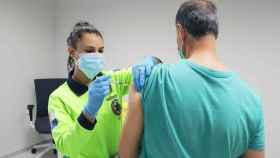 Vacuna contra el covid. Imagen de archivo del Sescam