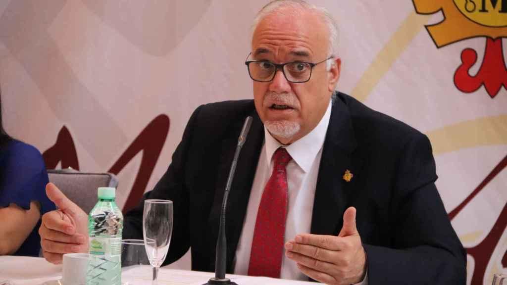 Julián Nieva, alcalde de Manzanares (Ciudad Real), este lunes en rueda de prensa