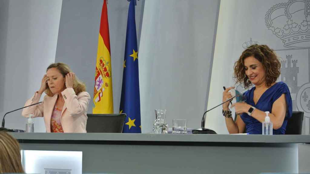 Nadia Calviño y María Jesús Montero en la rueda de prensa en la que se presentó la Ley de Startups