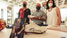 Donación de Andrés Iniesta al Museo del Calzado de Elda