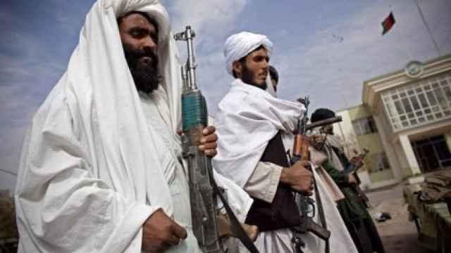 Milicianos talibanes en una imagen de archivo. EP