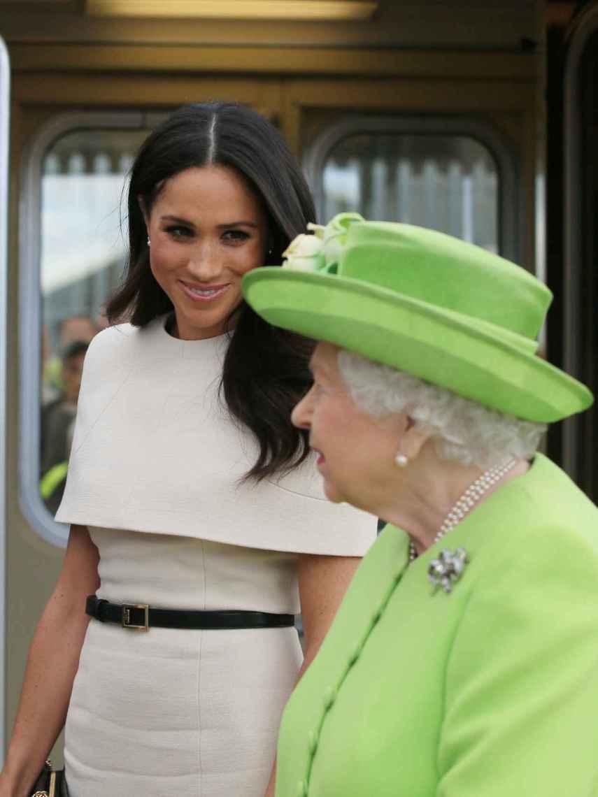 Meghan Markle junto a la reina Isabel II, en un acto juntas en 2018.
