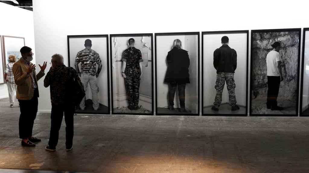 Las fotografías de Santiago Sierra que se exponen en ARCO.