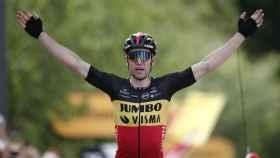 Wout Van Aert celebrando su victoria en la etapa 11 del Tour de Francia