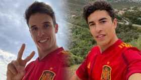 Alex Márquez y Marc, con las camisetas de España