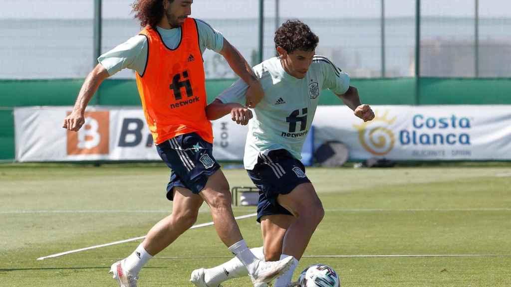 Jesús Vallejo durante el entrenamiento de España