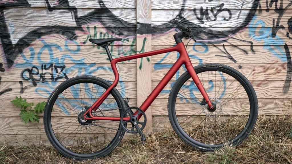 La bicicleta eléctrica ofrece una autonomía de hasta 140 kilómetros.