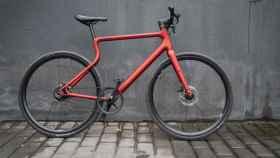 La bicicleta eléctrica tiene piezas que se han impreso en 3D.
