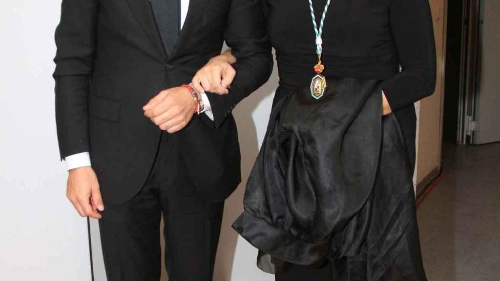 Estrella Morente y Javier Conde en la entrega de Melladas de Oro de Andalucía en 2014.