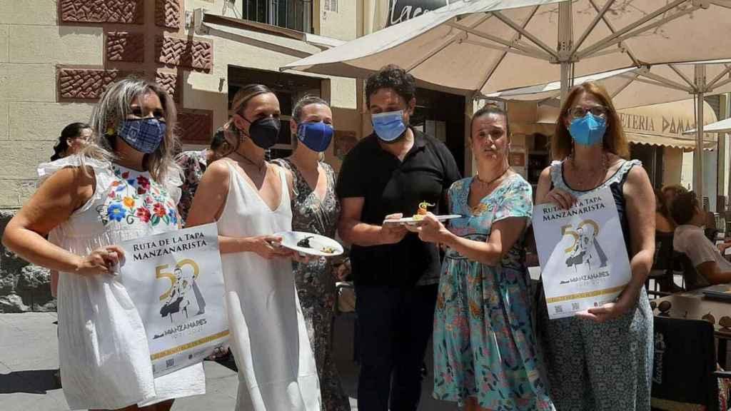 En el acto de presentación  de esta iniciativa gastronómica han estado las dos hijas del torero.