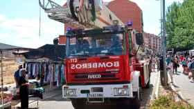 Impresionante despliegue policial y de bomberos en pleno mercadillo de Benavente 5