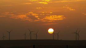 Un parque eólico en la localidad riojana de Calahorra. FOTO: Pixabay.