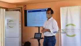 El CEO de BiofreshTech, Rafael Matamoros, durante la presentación de los muebles de refrigeración el pasado 2 de julio en Paterna.