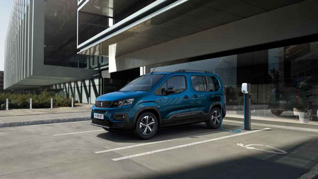Peugeot e-Rifter.