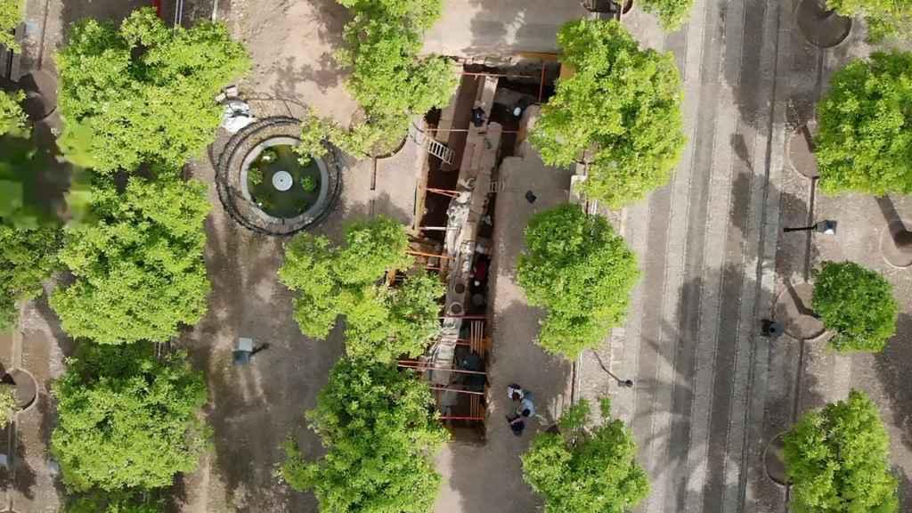 Imagen aérea de una de las zonas del Patio de los Naranjos donde se está excavando.