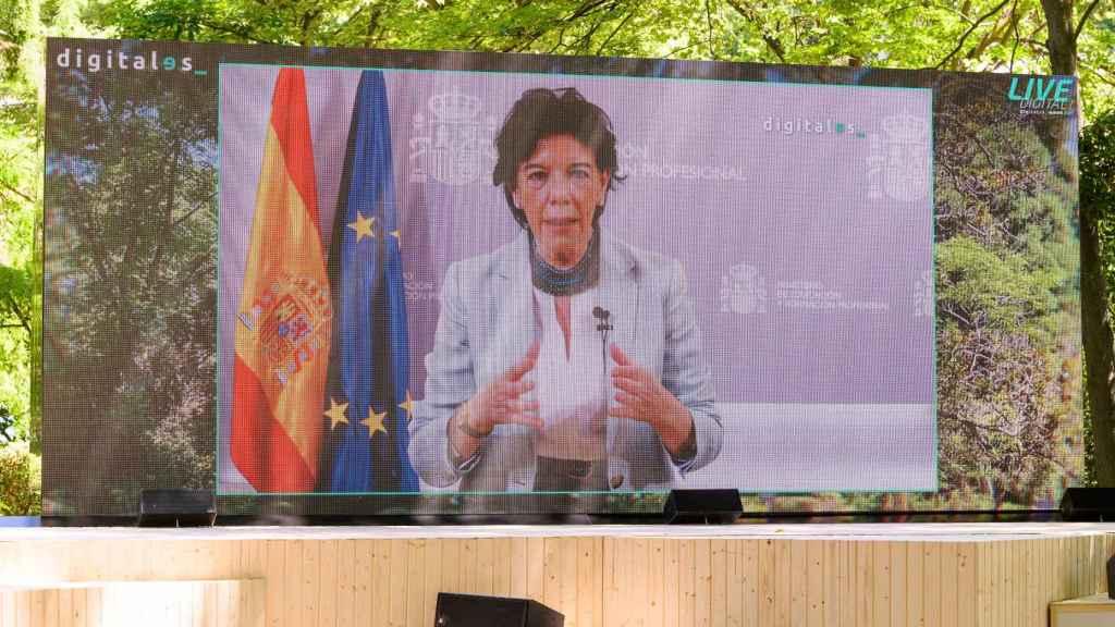 Isabel Celaá participa en vídeo en DigitalES Summit