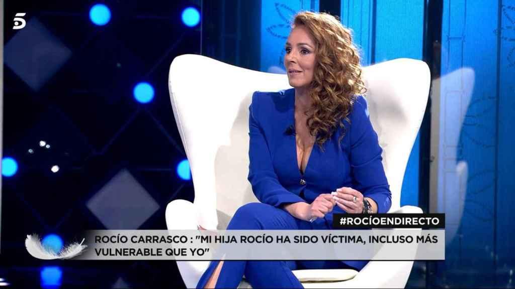 Rocío Carrasco en la entrevista que concedió a Mediaset mientras se emitía su docuserie.