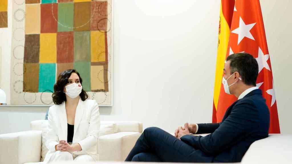 Isabel Díaz Ayuso, reunida en Moncloa con Pedro Sánchez.