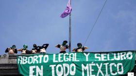 Imagen de archivo de un grupo de feministas en una protesta por el Día Internacional del Aborto Seguro.