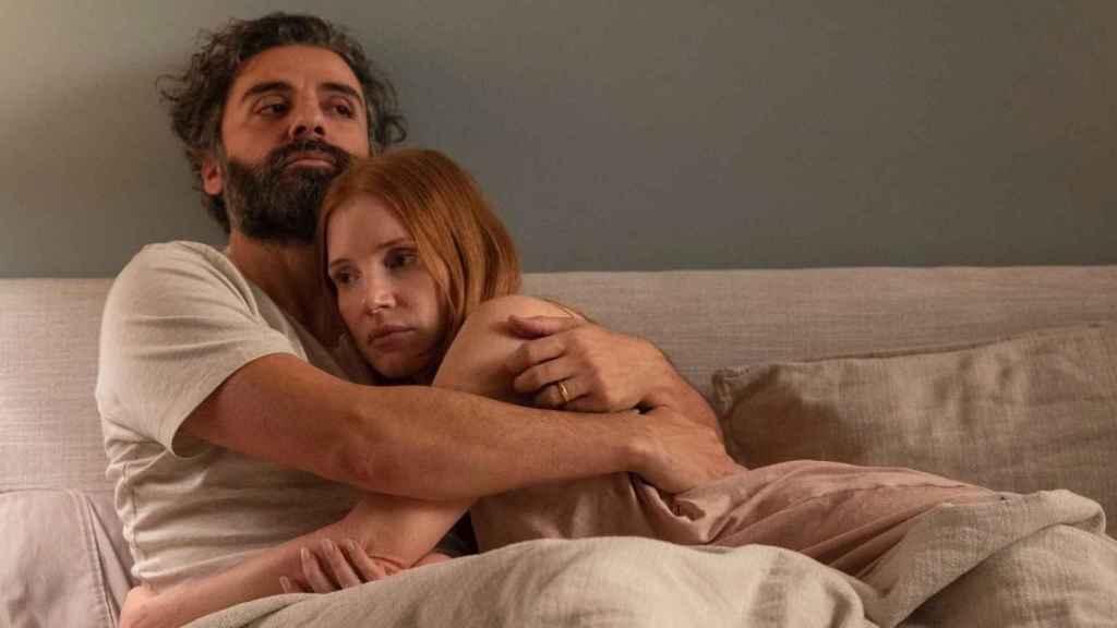 Oscar Isaac y Jessica Chastain en 'Secretos de un matrimonio'.