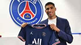 Achraf, con la camiseta del PSG