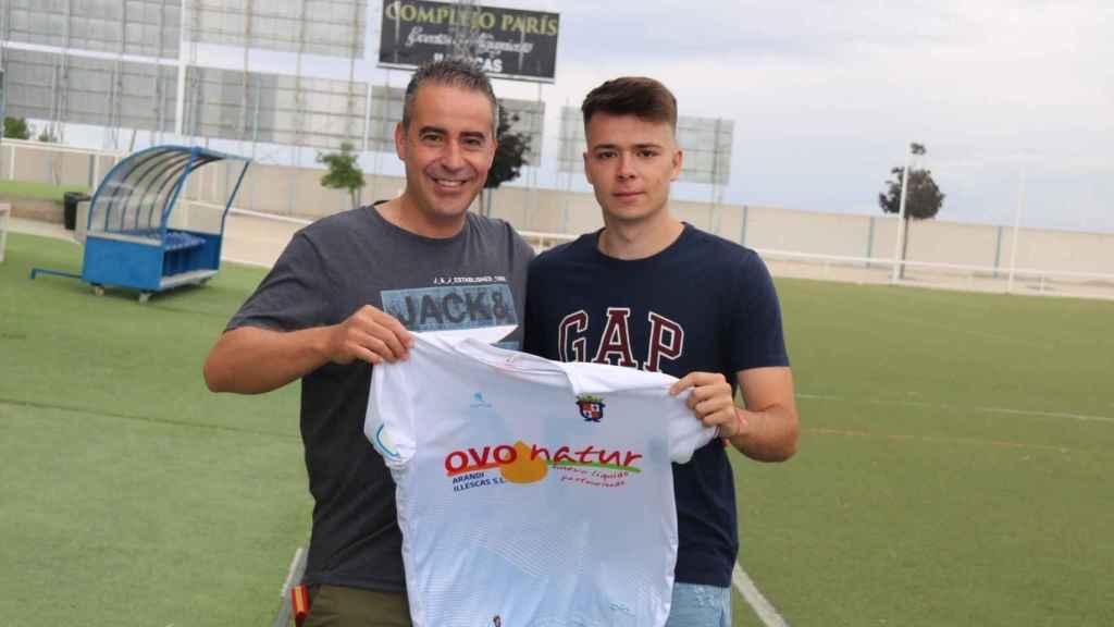 Dani Cáceres, nuevo jugador del Illescas. Foto: Twitter C.D. Illescas.