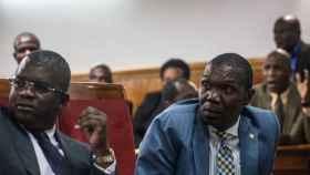 El presidente provisional de la República de Haití, Joseph Lambert, a la derecha.