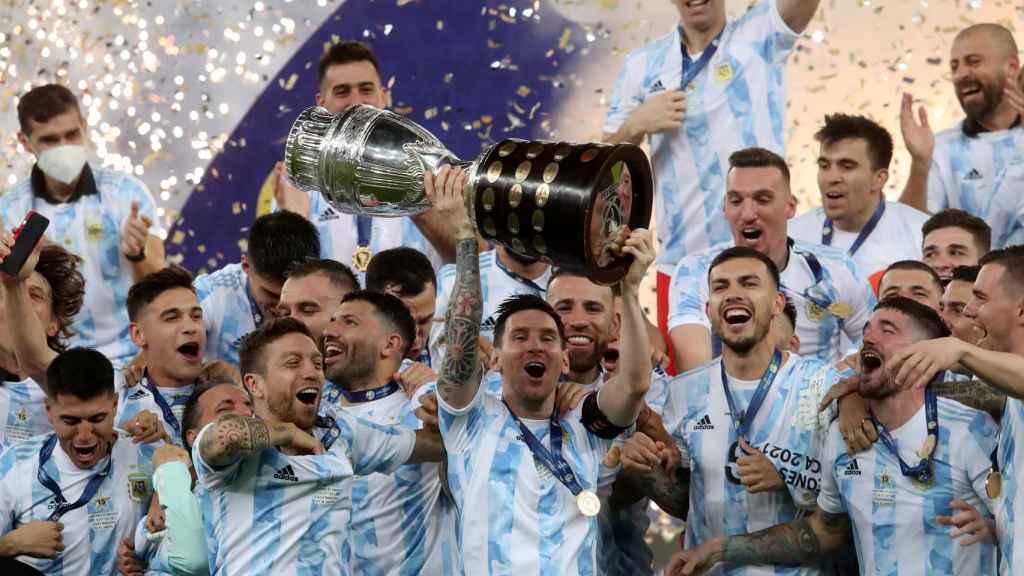 Argentina levanta el título de campeona de la Copa América
