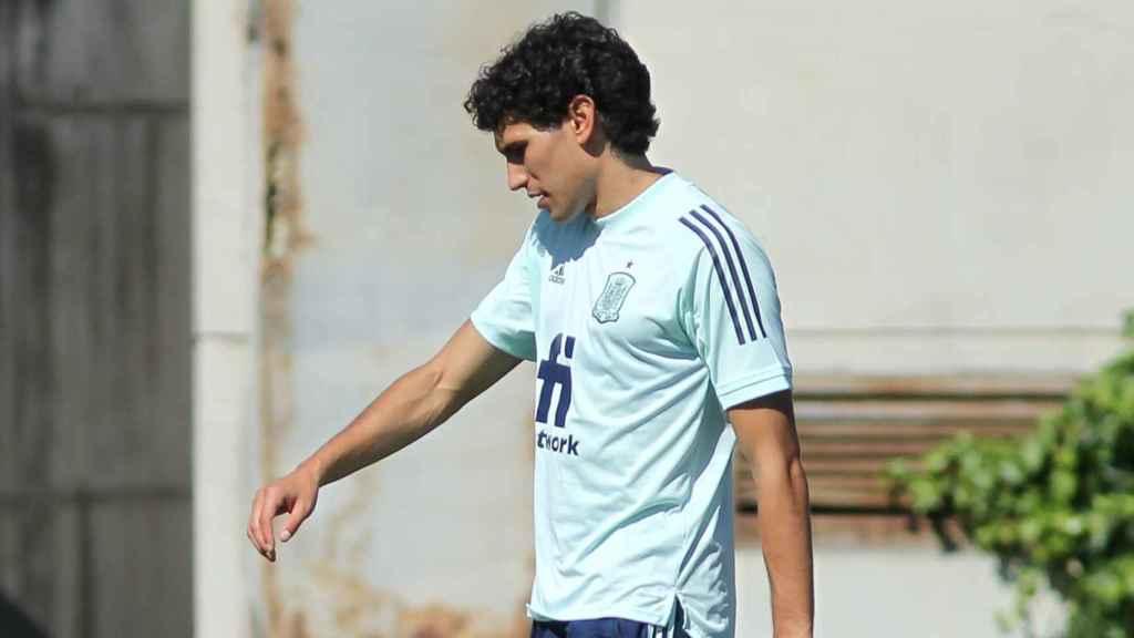 Jesús Vallejo, durante un entrenamiento de la selección de fútbol olímpica