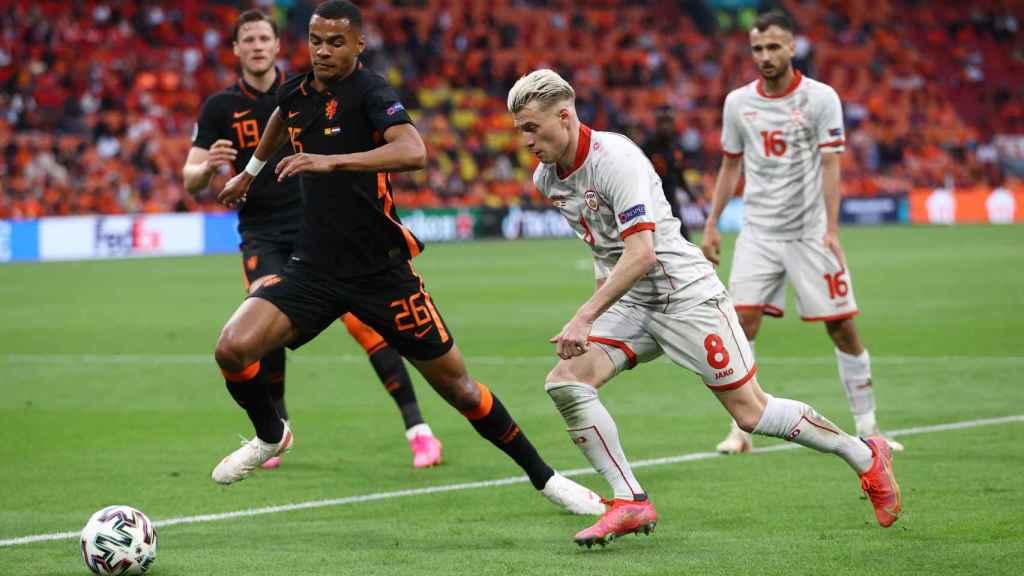Gakpo en un partido con la selección de Países Bajos en la Eurocopa